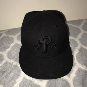 New Era Phillies 59FIFTY Black on Black Fitted Hat